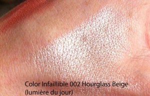 IMG_4061 swatch Color Infaillible 002 Hourglass Beige