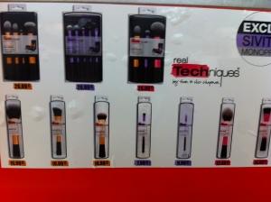 Real Techniques stand chez Monoprix, les prix